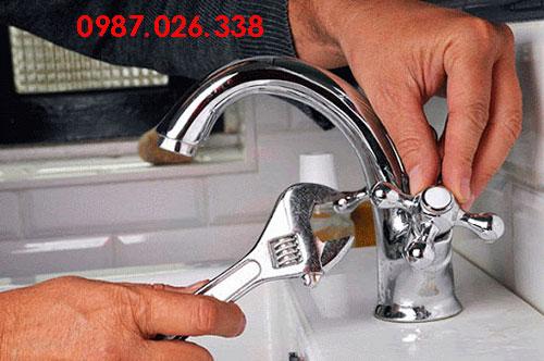 Kiểm tra cách thức lắp đặt vòi rửa bát
