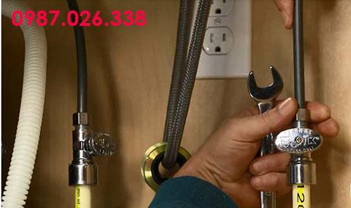 Lắp lại đường ống nước