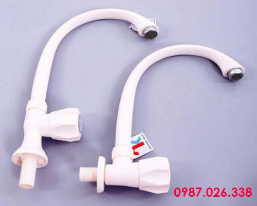 Vòi nước nhựa PVC