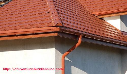Hệ thống thoát nước mưa trên mái nhà