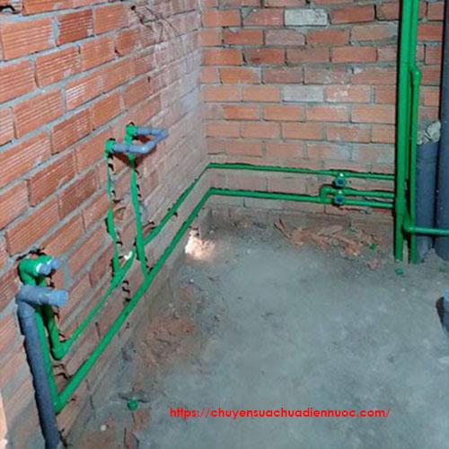 Đi ống nước âm tường