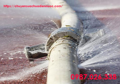 Đường ống vỡ to buộc phải thay thế
