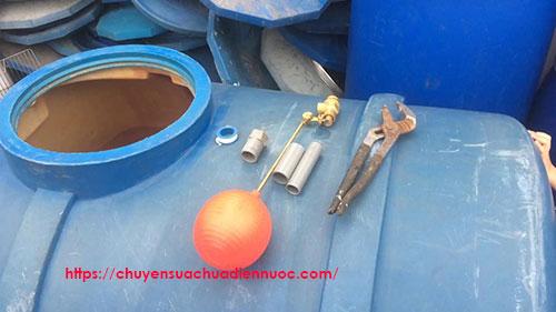 Lắp phao cơ bồn nước