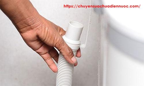 Ống thoát nước máy giặt đường kính bao nhiêu
