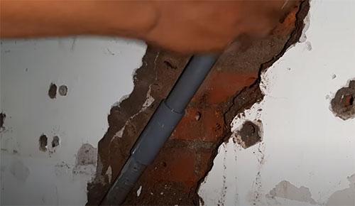 Cách thay ống nước âm tường